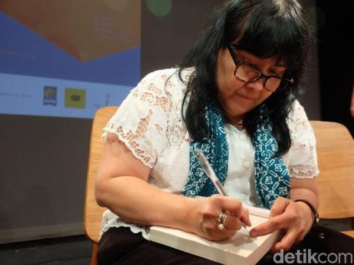 Setelah 'Laut Bercerita', Leila S Chudori Sedang Garap 3 Buku Baru