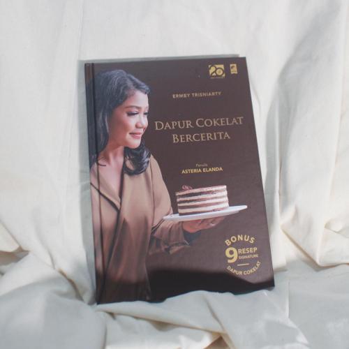 Cover Buku Dapur Cokelat Bercerita
