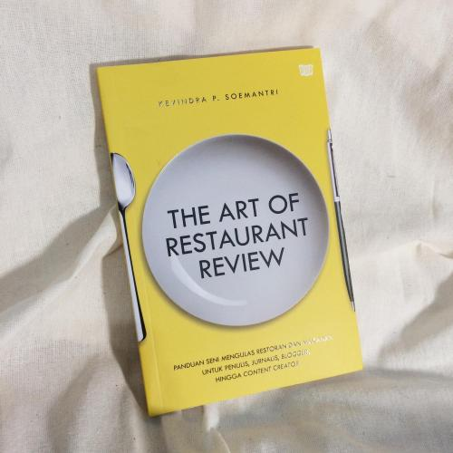 Cover Buku The Art of Restaurant Review